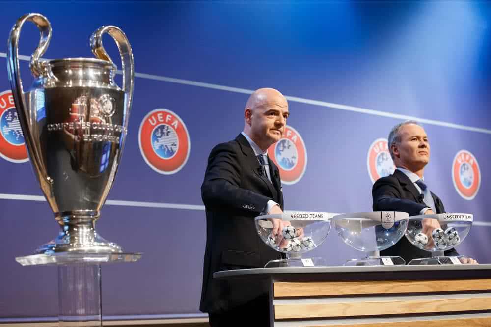 Gianni Infantino łysy z Uefa
