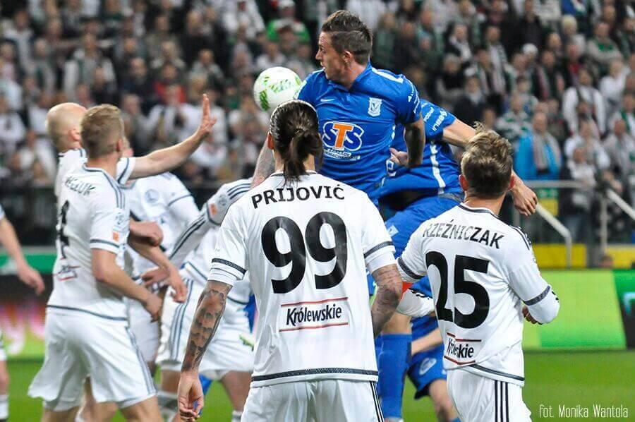 Legia Lech walka o piłkę