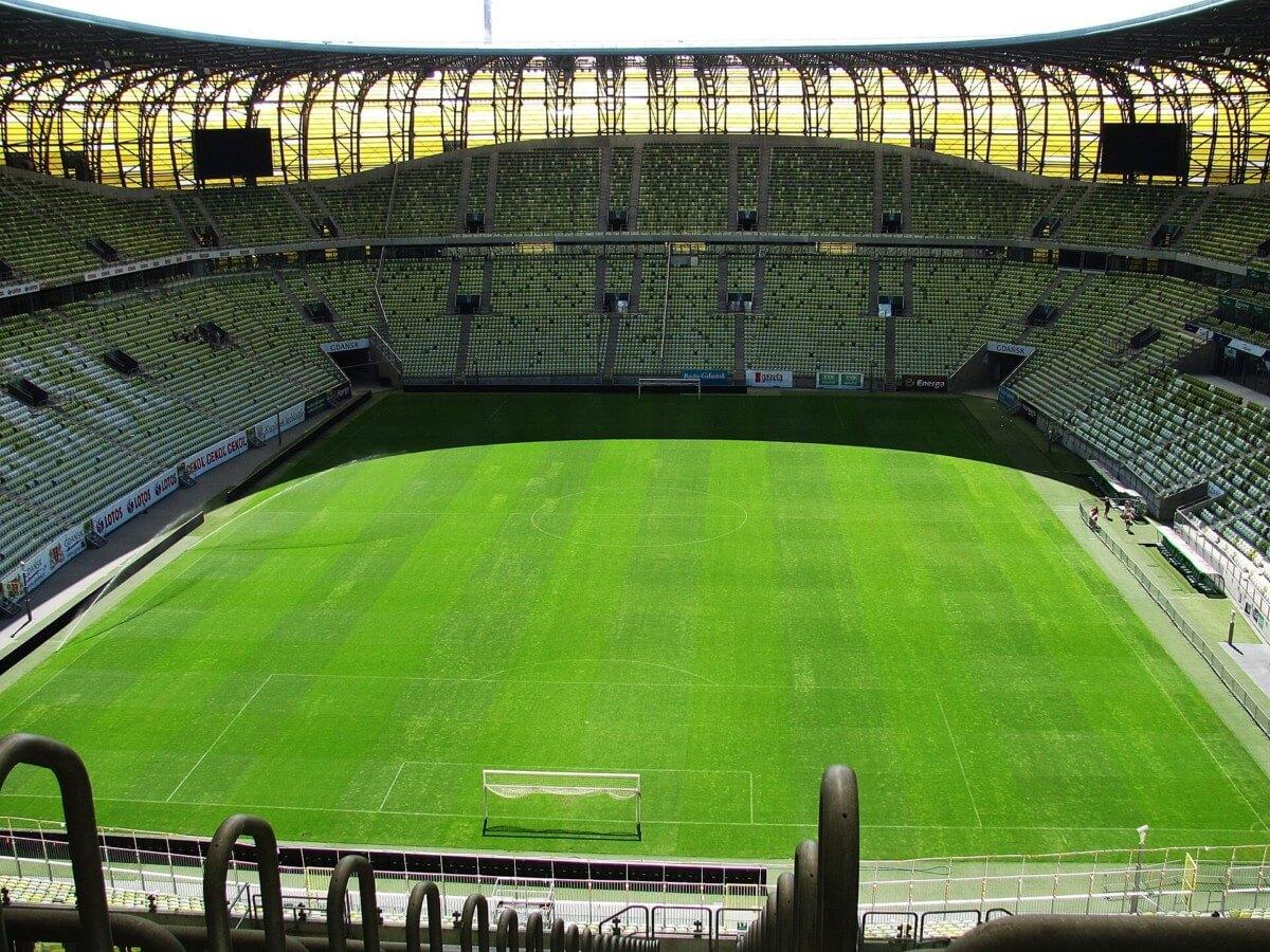 stadion LEchii w słońcu