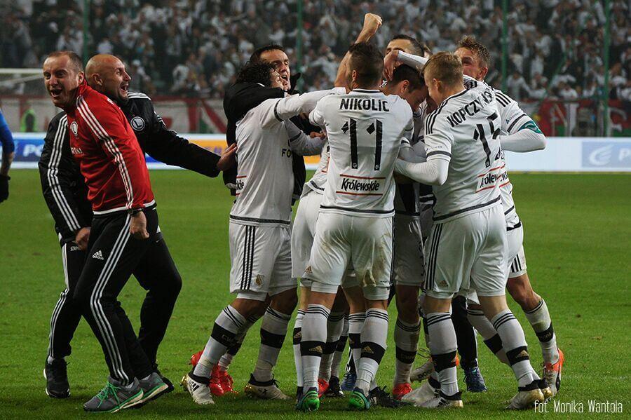 Ciesząca sie Legia Derby Mazowsza